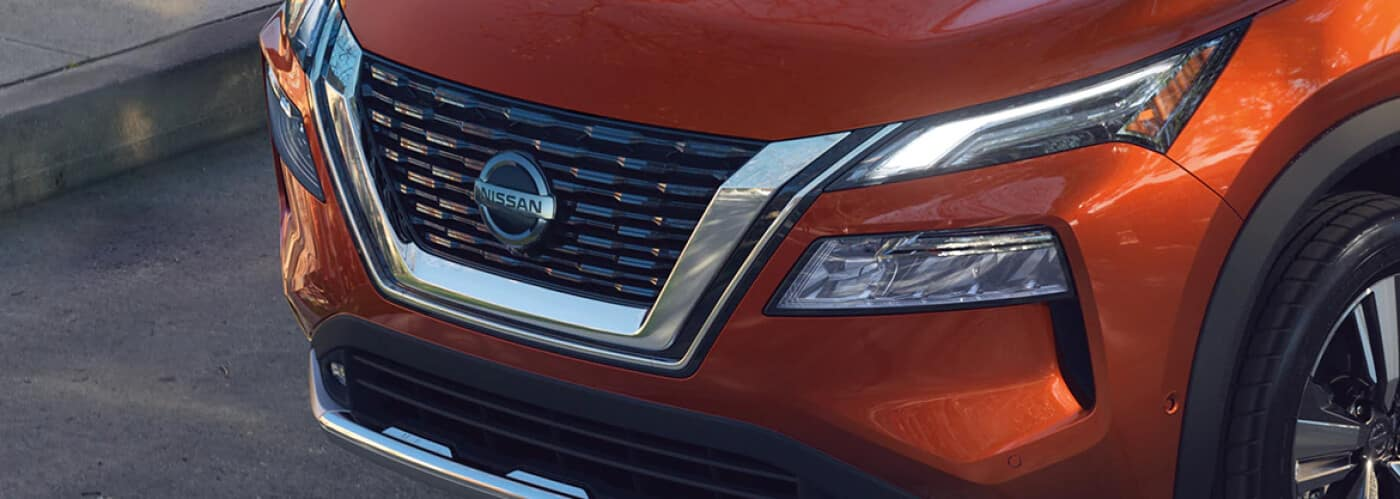 2021 Nissan Grill with logo
